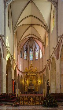 347px-Catedral_de_Gniezno,_Gniezno,_Polonia,_2014-09-17,_DD_07-09_HDR