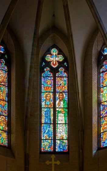 375px-Catedral_de_Gniezno,_Polonia,_2012-04-05,_DD_41