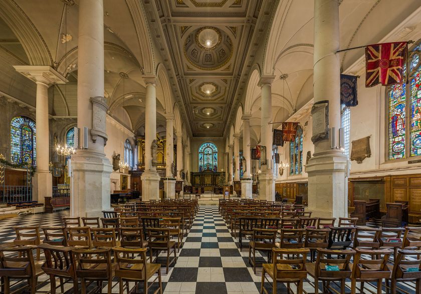 St_Sepulchre-without-Newgate_Interior,_London,_UK_-_Diliff