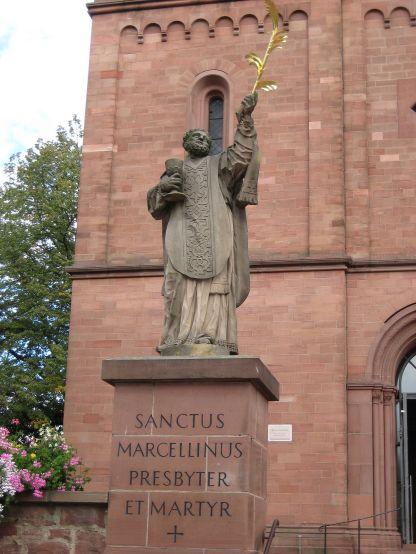 1200px-Sanctus_Marcellinus_Martyr_Germany_Seligenstadt_2007