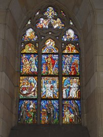 Beautiful-Stained-Glass-Window-Inside-The-St.-Vitus-Cathedral1