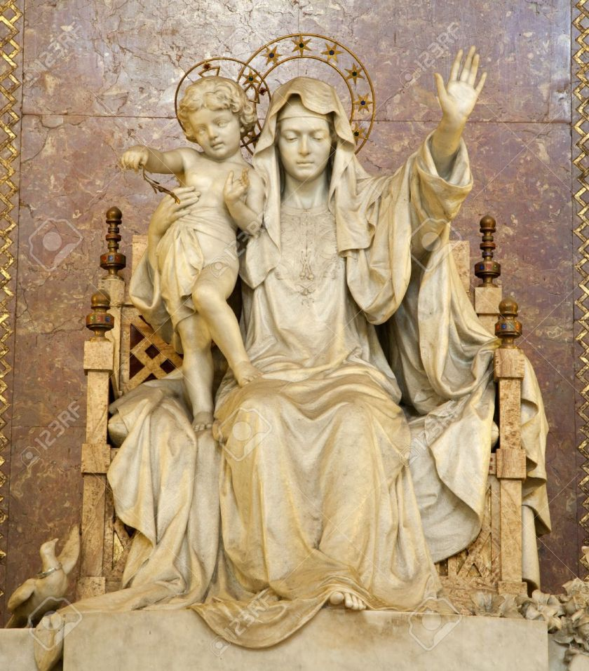 14986728-Rome-statue-of-Mother-of-Jesus-from-Santa-Maria-Maggiore-basilica-Stock-Photo