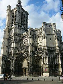 220px-Cathédrale_de_Troyes_2006