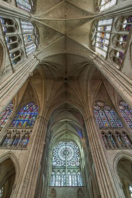 Transept_of_Troyes_Cathedral_HDR_20140509_6