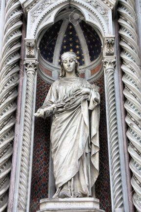 6244297-Saint-Reparata-the-Martyr-sculpture-in-the-facade-of-Florence-Cathedral-Stock-Photo