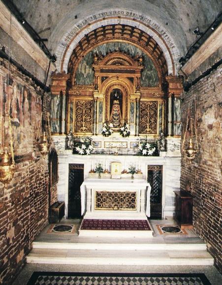 photograph-of-original-holy-house-of-loreto-italy