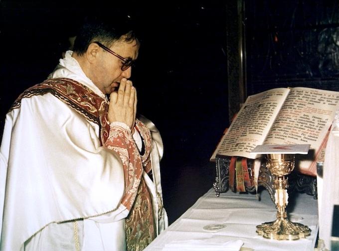st josemaria at mass