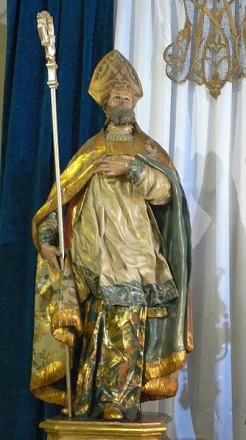 st leander statue