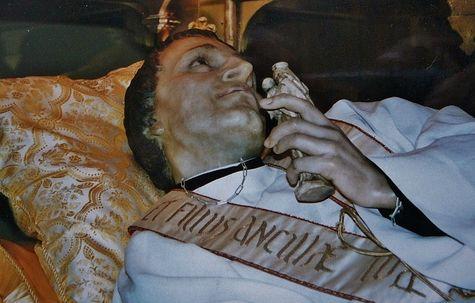 Detail of the wax reclining of Saint Louis-Marie Grignion de Montfort