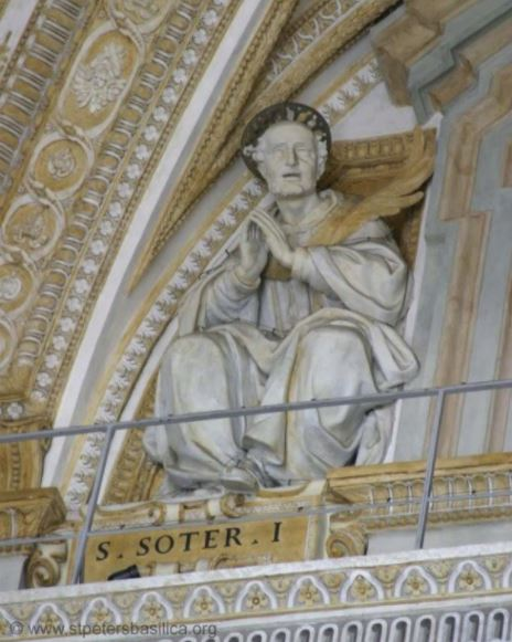 st pope soter statue in the vatican