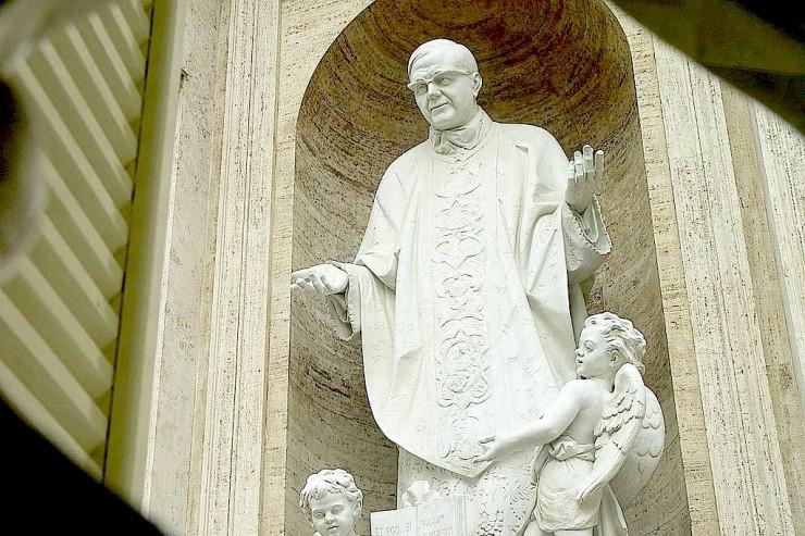 sanjosemaria- Vatican statue