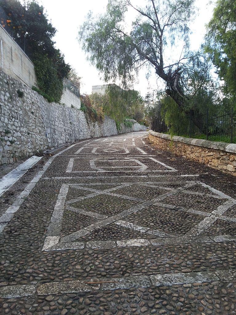 Santuario_della_Madonna_dei_Miracoli_(Alcamo)_-_Discesa_al_Santuario