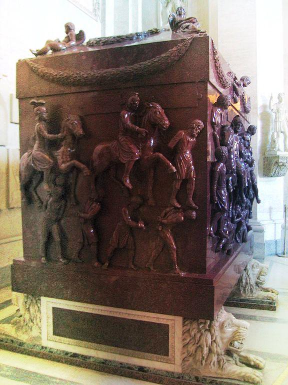 576px-Helena_tomb