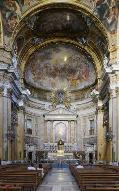 Chiesa_del_Gesù_September_2015-1a