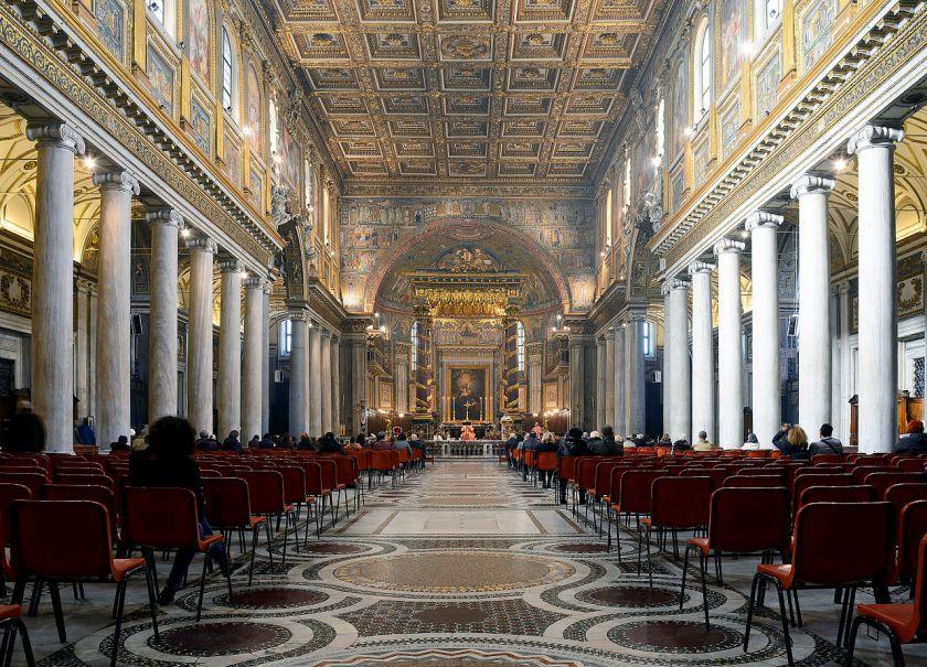 Interior_of_Santa_Maria_Maggiore_(Rome).jpg