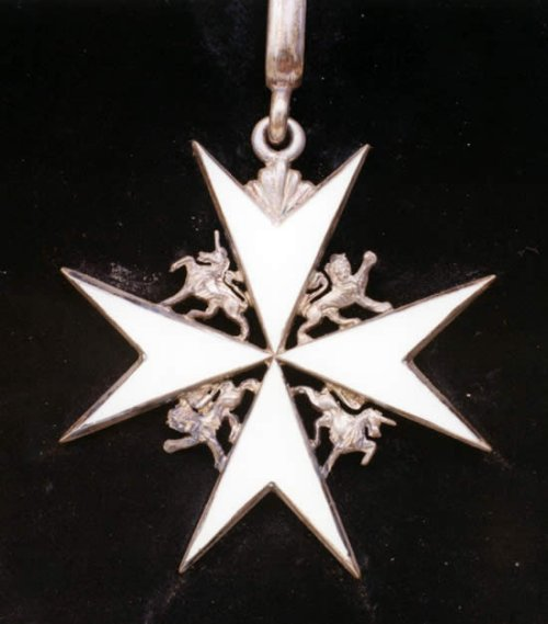 Maltese_Cross_HASMG_2002_11_4_550px