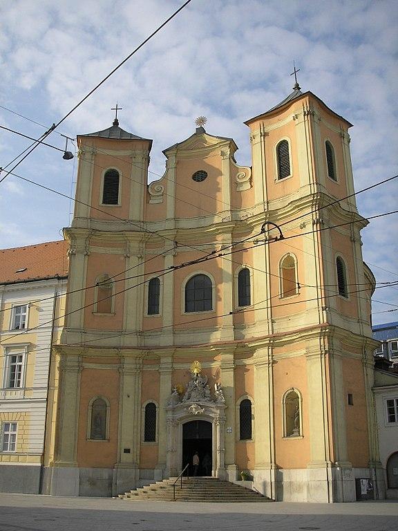 576px-Trinitárov_Bratislava_October_2006_001