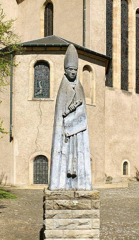 Echternach_statue_willibrord