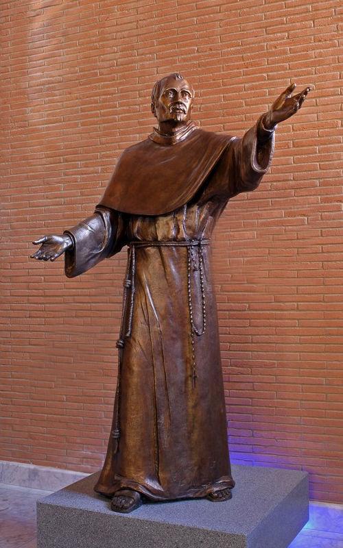 fasani statue
