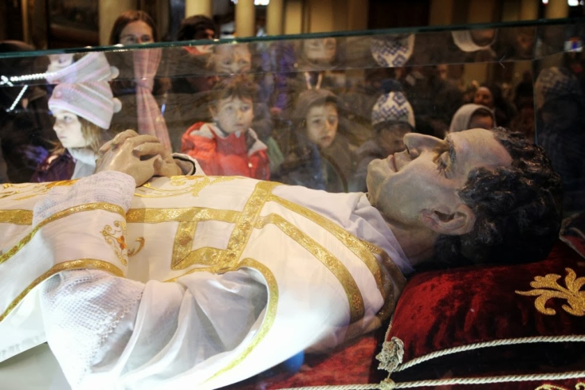 st-john-bosco-body-incorrupt-fake.jpg