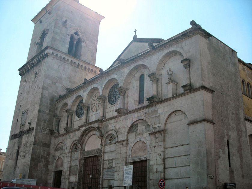 1024px-Benevento-Facciata_Duomo_2