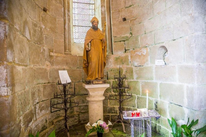 st robert statue in chaise-dieu Church