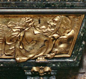 tomb - Pius_V_head_Wiki