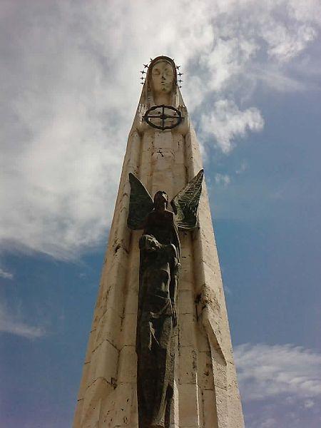 450px-Estatua_de_la_Virgen_de_la_Cabeza.jpg