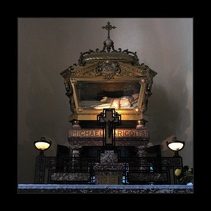shrine - st michel-garicots-3f5286d7-ec2c-4573-a383-b1d5a39d772-resize-750