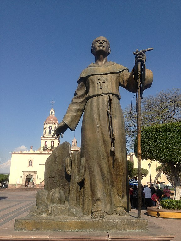 576px-Fray_Antonio_Margil_de_Jesús,_escultura_de_Alberto_Pérez_Soria.jpg