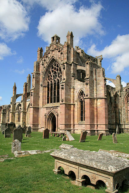 Melrose_Abbey_from_the_burial_ground_-_geograph.org.uk_-_781601.jpg
