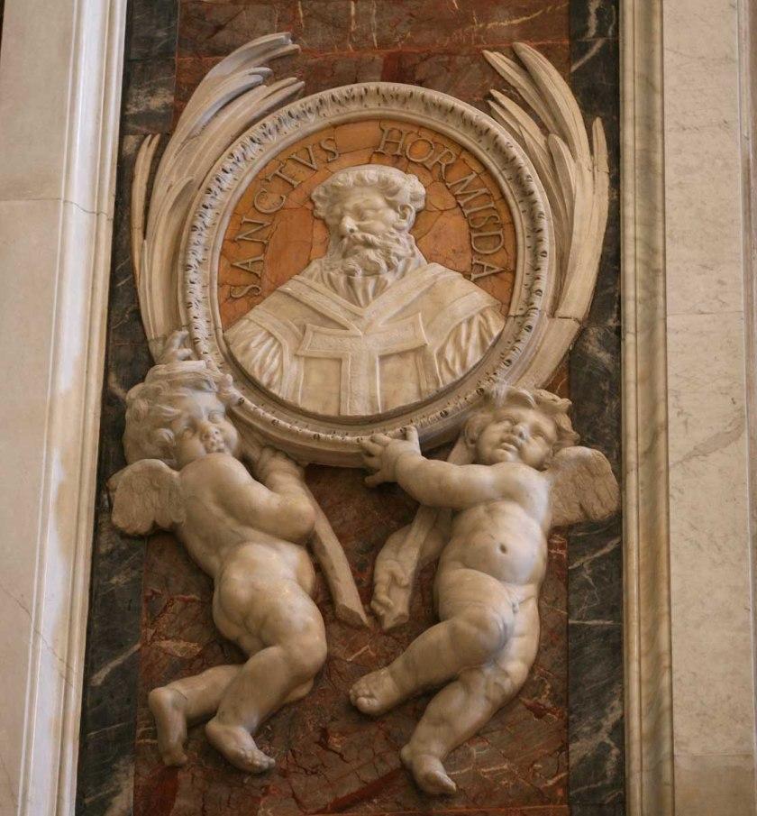 st pope medallion at st peter's M-Hormisdas-52