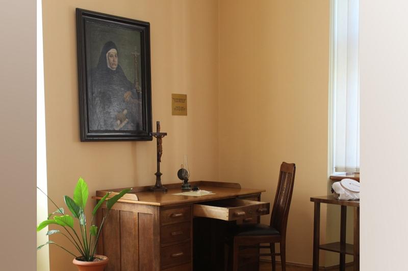 Bl Angela's room pokoj-Matki-2-800x533