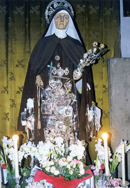 Saint Mary Frances of the Five Wounds statue