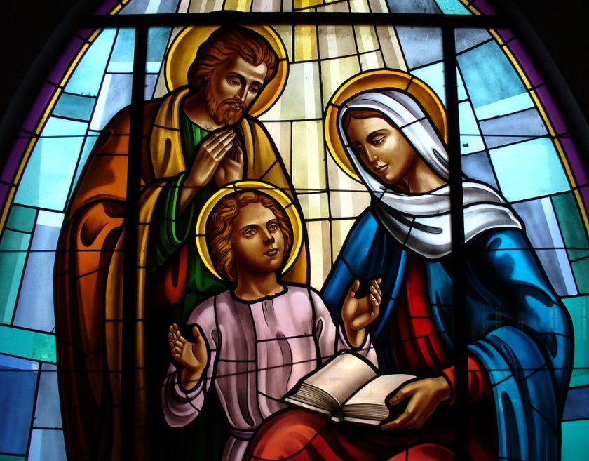 981px-THE HOLY FAMILY V LG Cathedral_Dili_window.jpg