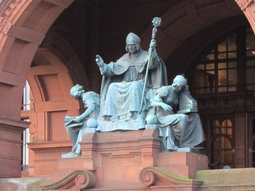 beautiful statue of st mungo at kelvingrove glasgow