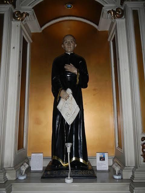 st arnold janssen statue 2