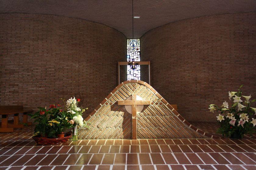 tomb of bl esperanza de jesus