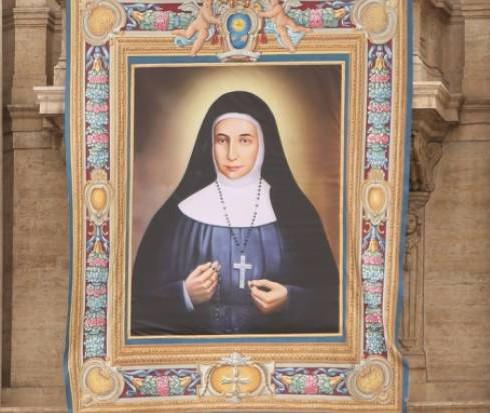 tapestry_of_saint_marie_alphonsine_danil_ghattas_st_peters_basilica_may_16_credit_daniel_ibanez_cna-e1458905143422