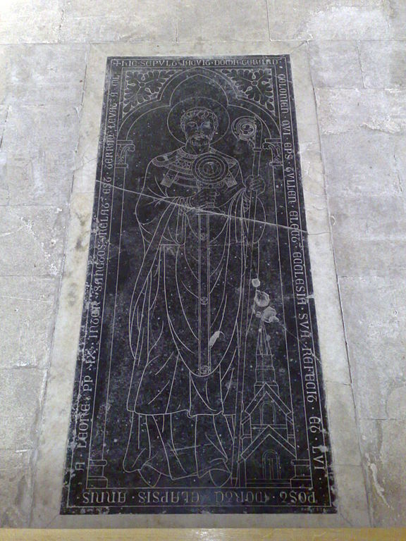 576px-Cathédrale_de_Toul,_2009_(tombe_de_St_Gérard)