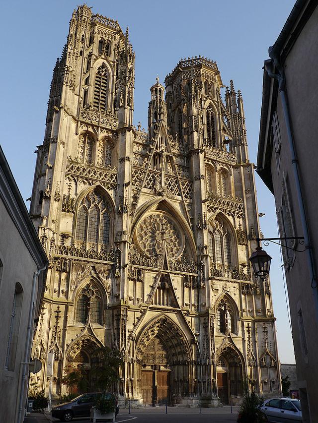 640px-Cathédrale_de_Toul-Façade