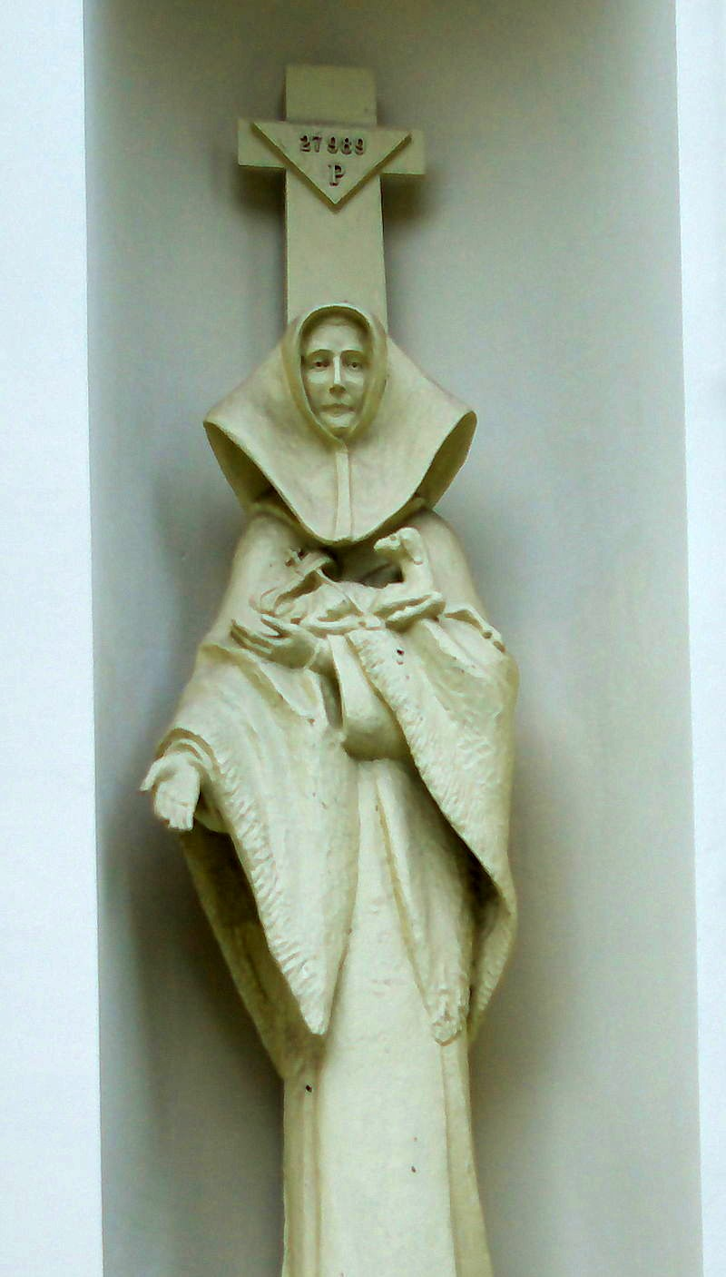bl Statue_of_Celestyna_Faron_at_Church_of_the_Transfiguration_in_Brzozów_2