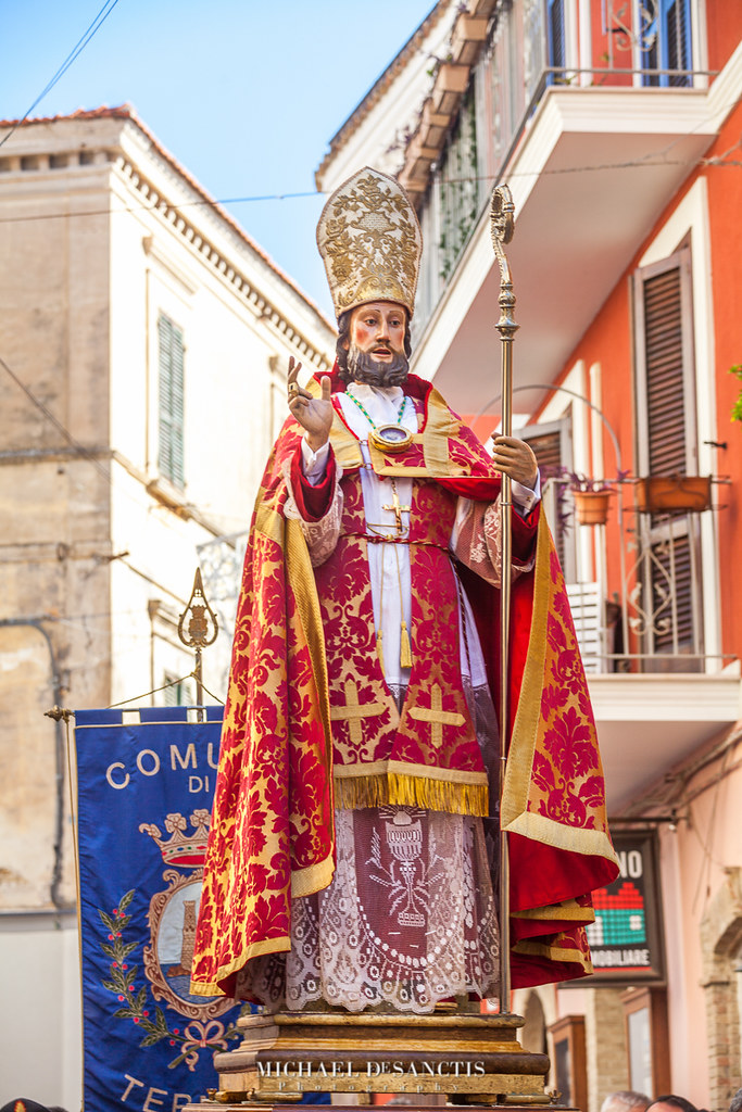 ST MIGUEL DE SANCTIS STATUE SPAIN