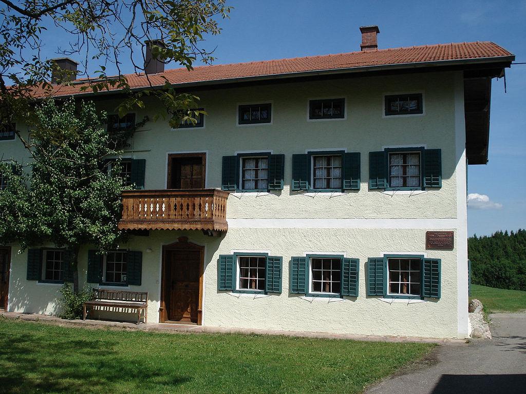 1024px-bl franz - Sankt_Radegund_Jaegerstaetterhaus