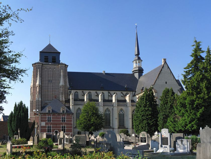 1280px-St-Dymphna_church