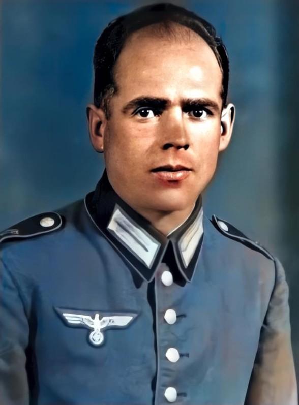 bl franz in uniform smaller