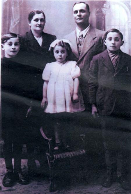 bl rolandos-family
