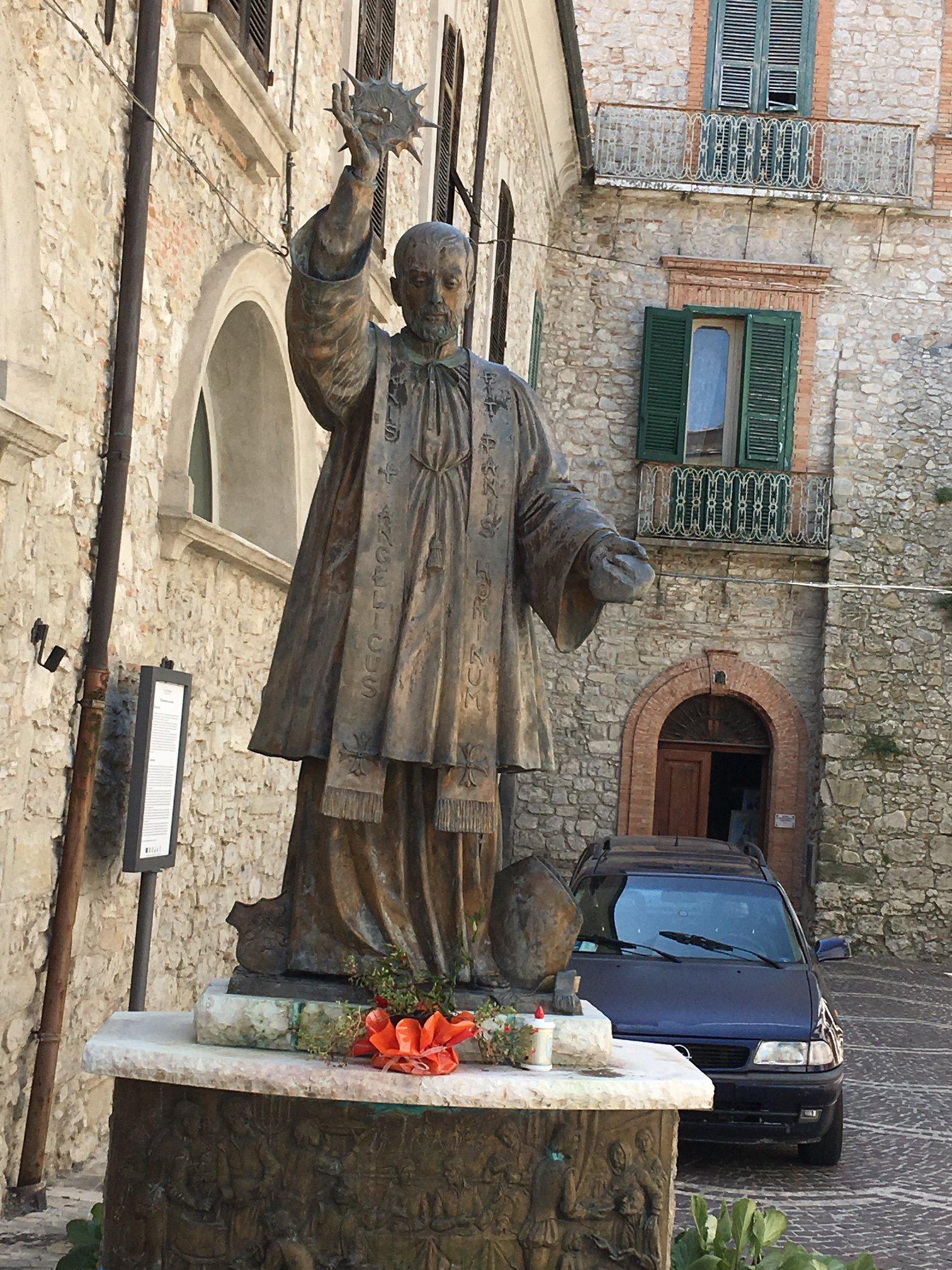 amazing statue with eucharist st francis caracciolo