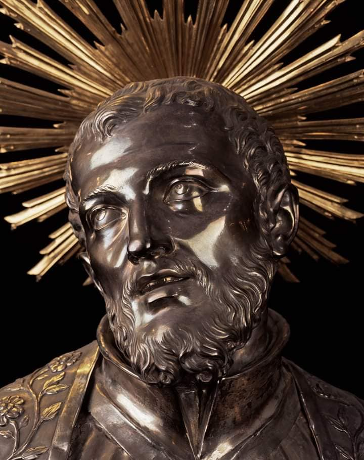 BEAUTIFUL STATUE FACE - ST FRANCIS CARACCOIOLO