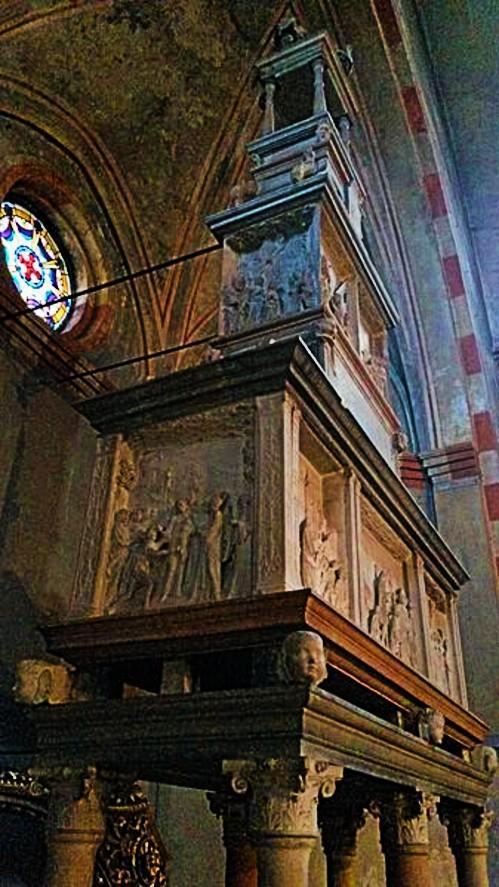 sepulchre of San_Lanfranco_(Pavia)_05